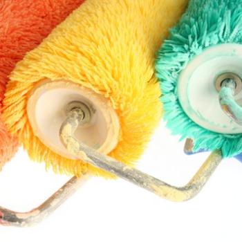 Каким валиком красить потолок виды и критерии выбора