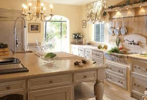 Функциональное освещение на кухне Прованс