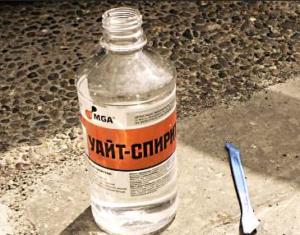 Уайт-спирит растворяет герметик
