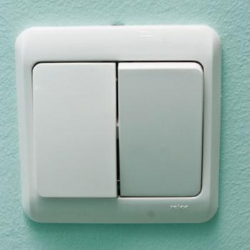Управляем светом: как подключить выключатель с двумя клавишами