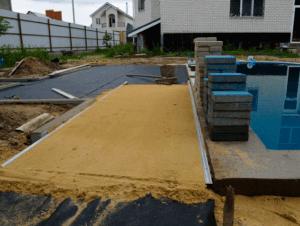 Выравнивание песка по маякам
