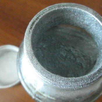 По каким правилам и чем развести серебрянку, свойства красителя