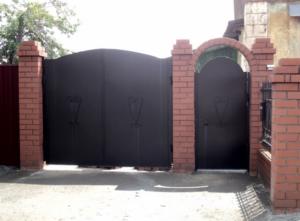 Ворота на столбах
