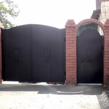 Строим ворота: как установить столбы для ворот