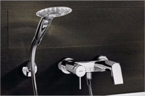 Смеситель для ванны с душем