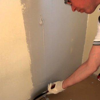 Делаем ремонт сами: как клеить виниловые обои на бумажной основе