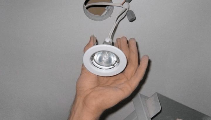 Установка светильника своими руками