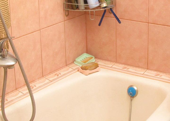 Как приклеить бордюр на ванну, и какую роль он играет в дизайне