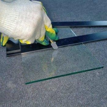 Как разрезать стекло стеклорезом: полезные советы