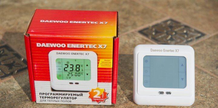 Сенсорный программируемый терморегулятор