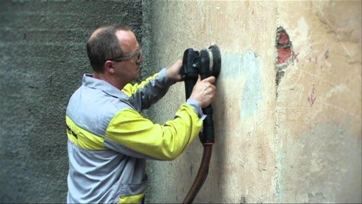 Удаление краски  специальным инструментом