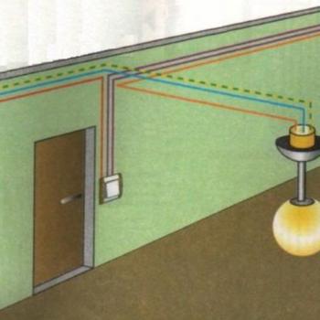 Как выглядит схема соединения проходного выключателя