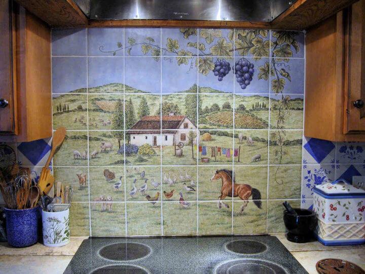 Панно с пейзажем из плитки на кухне