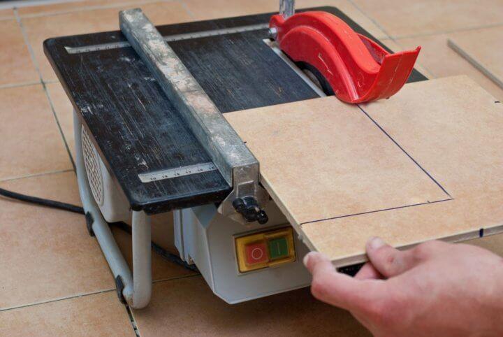 Электрический плиткорез для керамогранита
