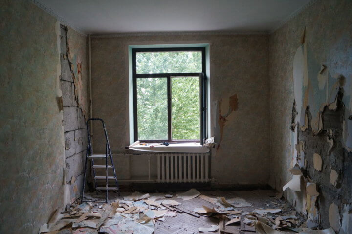 Комната перед ремонтом