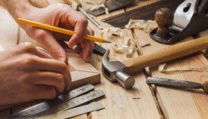 Инструменты для сборки стола