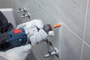 Сверление стеновой керамогранитной плитку