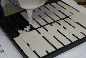 изготовление гипсовой плитки с использованием покупных форм