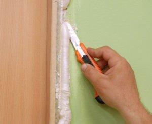 как убрать монтажную пену с двери