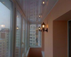 Облицовочные материалы для потолка на балконе