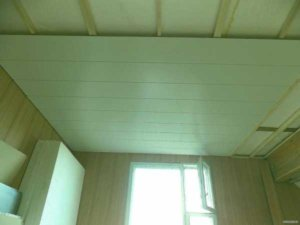 Потолок из МДФ панелей можно сделать своими руками