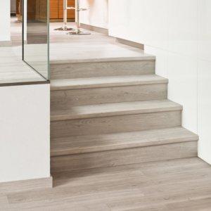 качественный ламинат для лестницы