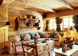 Деревенскийц дом, интерьер внутри